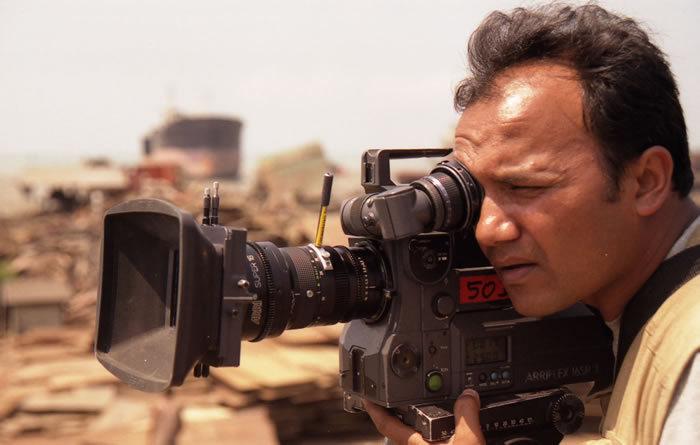 Der in Bangladesch geborene Regisseur Shaheen Dill-Riaz beleuchtet in seinem neuen Dokumentarfilm die Innenwelten der Koranschulen in seiner Heimat.