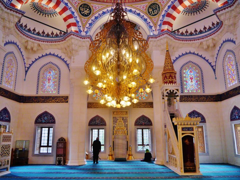 Berlin_Sehitlik-Moschee_Innen_1