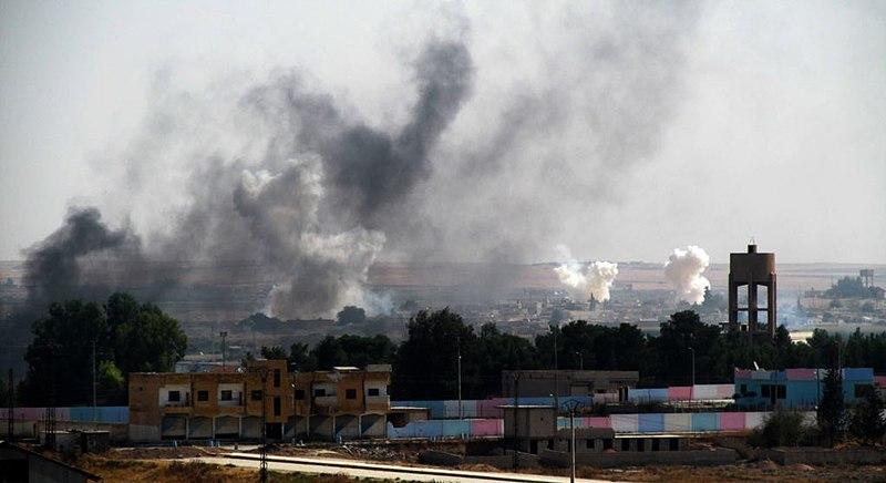 800px-Barış_Pınarı_Hârekatı'nda_Tel_Abyad_bombalanıyor